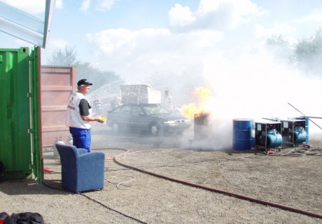 FloodEx: Aanrijding met beknelling en brand