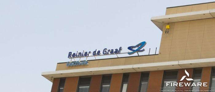 Zelf oefenblussers vullen in het Reinier de Graaf Ziekenhuis
