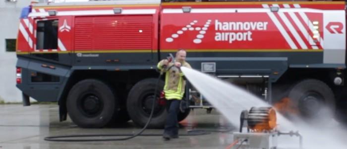 de Vesta getest met een Crashtender, op luchthaven Hannover